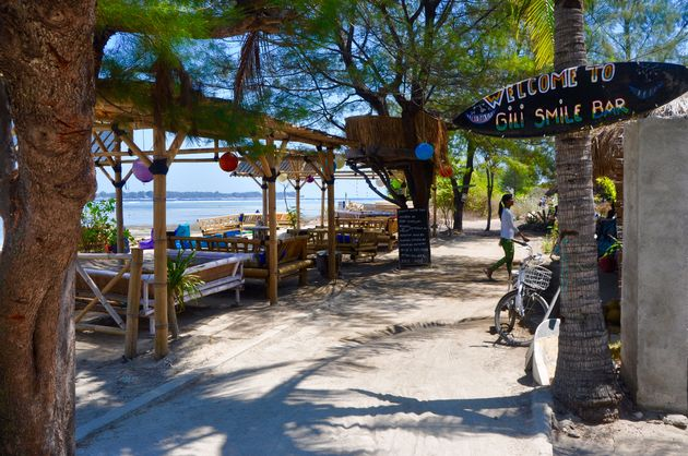 gili-air-smile-bar-
