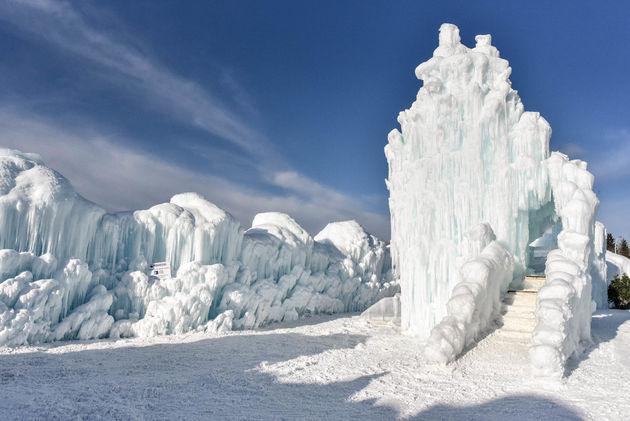 glijbaan-edmonton-ice-castles