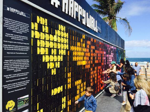 happy-wall-ipanema