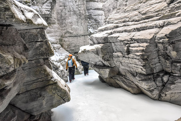 hike-maligne-canyon-winter