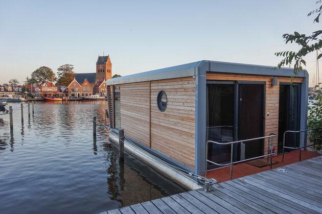 houseboat-grou