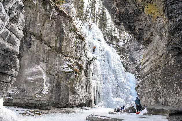 ijsklimmen-maligne-canyon-canada