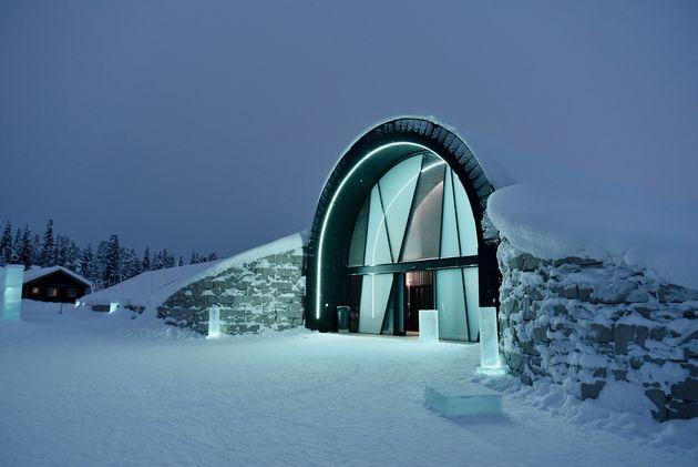 ingang-ice-hotel-365-avond