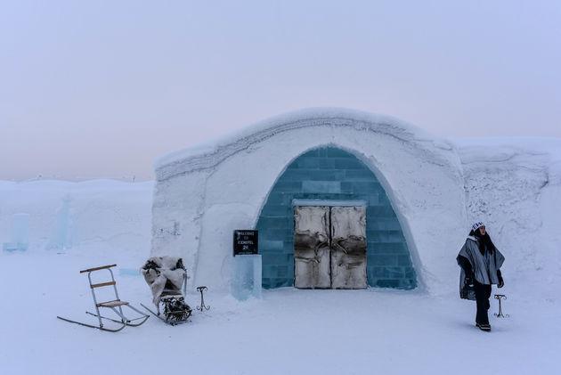ingang-ijshotel