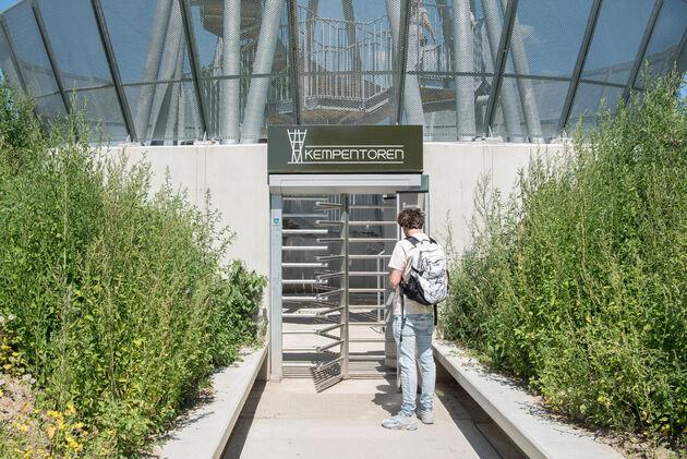 ingang-kempentoren