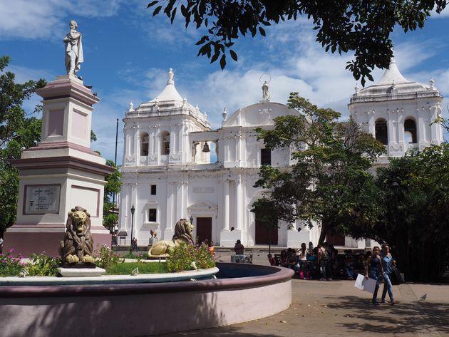 Kathedraal-León-nicaragua.