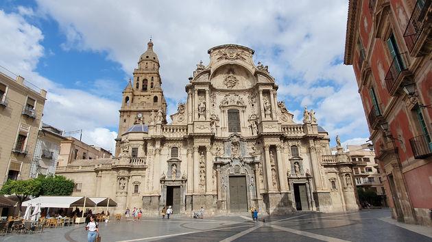 kathedraal-murcia-vooraanzicht