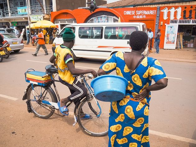 Kigali straatbeeld fietstaxi