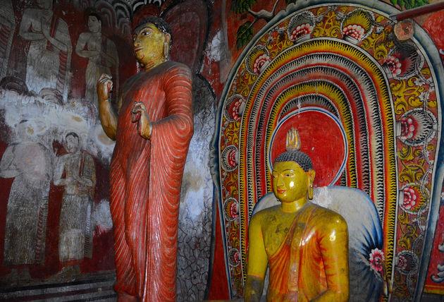 kleding-tempels-sri-lanka