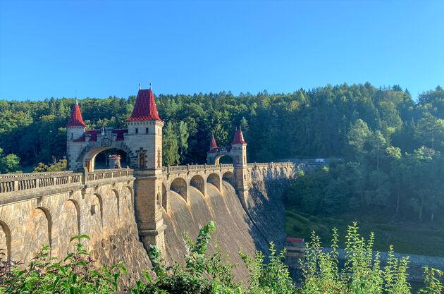 Království-Reservoir-dam.j