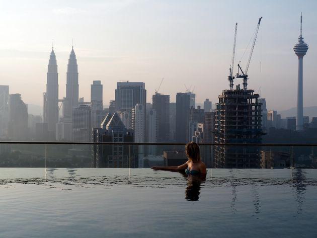 Kuala-Lumpur-rooftop-pool