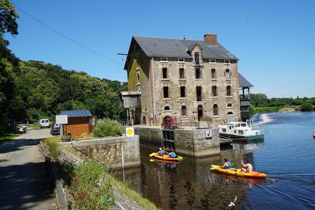 La_Velo_Francette_Mayenne_rivier