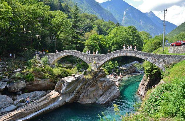Lavertezzo-hiken-zwitserland