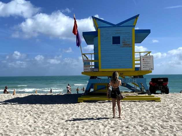 Lifeguard_Station_Miami_Beach_blue
