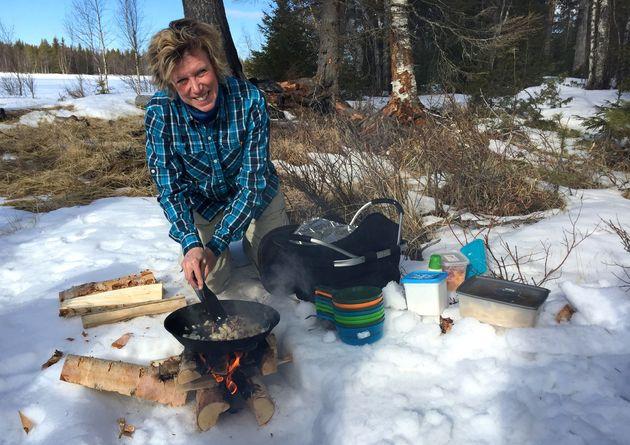 lunch-tijdens-sneeuwscootertocht