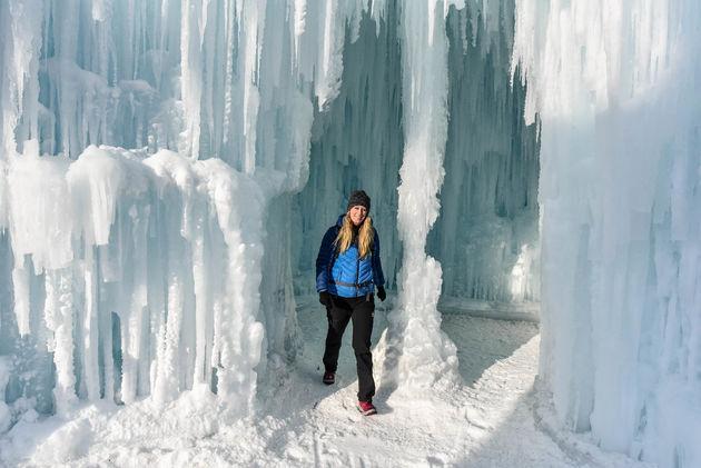marloes-edmonton-ice-castles