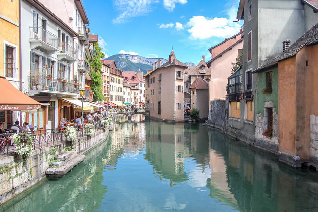 meer-annecy-stad