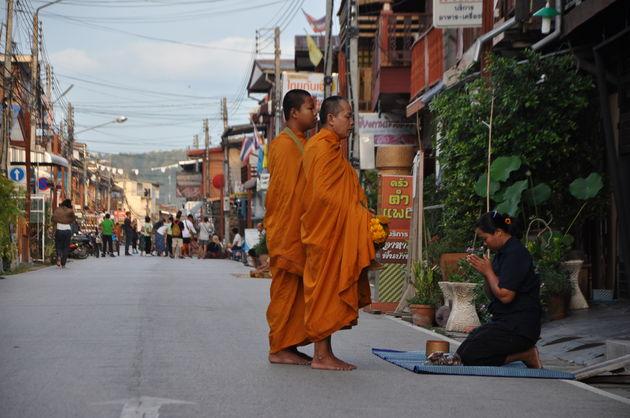monnik-chiang-khan