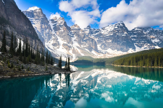 moraine-lake-alberta-canada