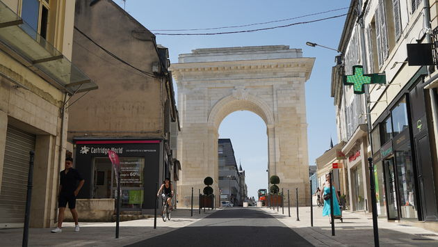Nevers_Paris_Gate_Nevers