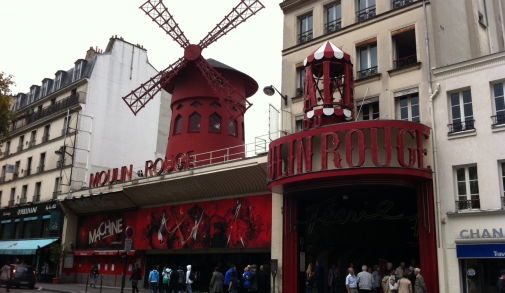 parijs_moulin_rouge_travelalley.jpg