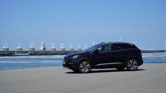 Peugeot_3008_Hybrid_zeeland