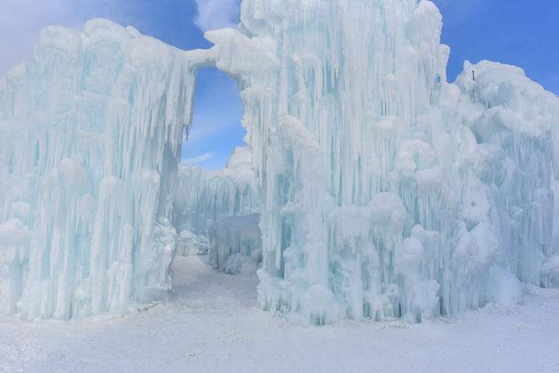 poort-ijs-edmonton-ice-castles