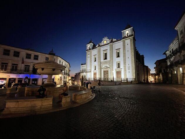Praça do Giraldo Evora.