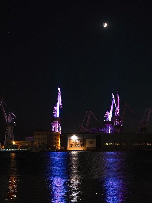 Pula Lighting Giants