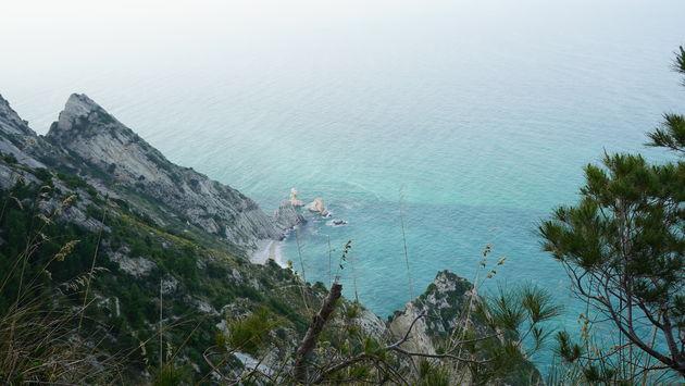 Riviera_del_Conero_Monte_Conero_Cliff