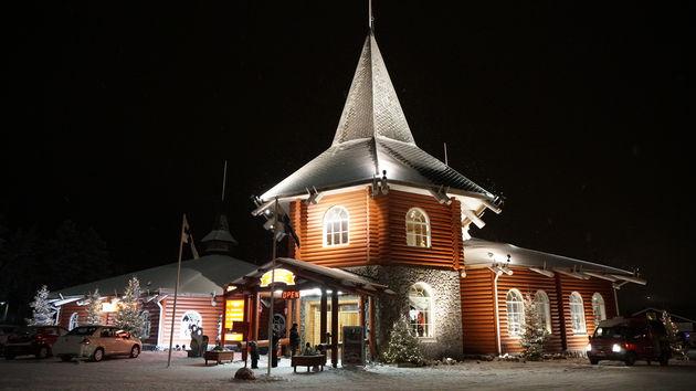 Rovaniemi_Santa_Claus