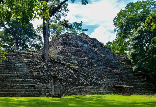 Ruines-Copan-honduras-boven-de-grond