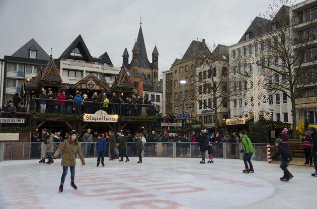 Schaatsen_kerstmarkt_keulen