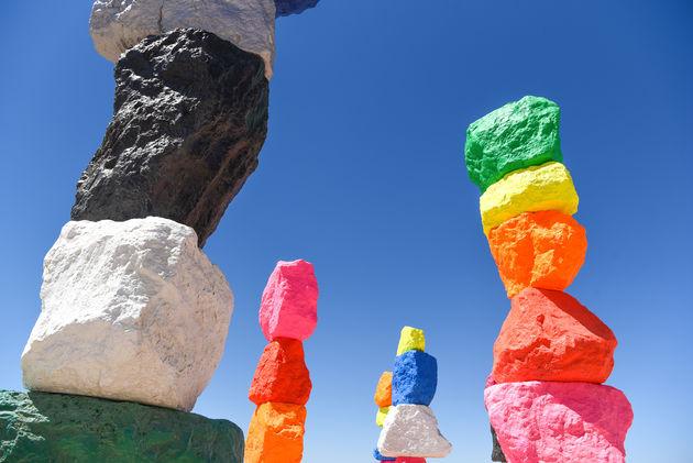 seven-magic-mountains-kleur