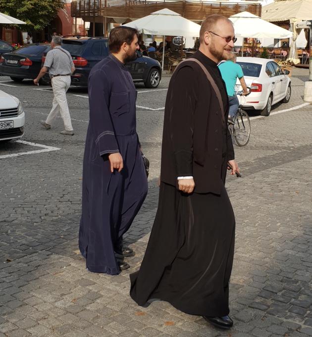 Sibiu_Travelvalley_priesters