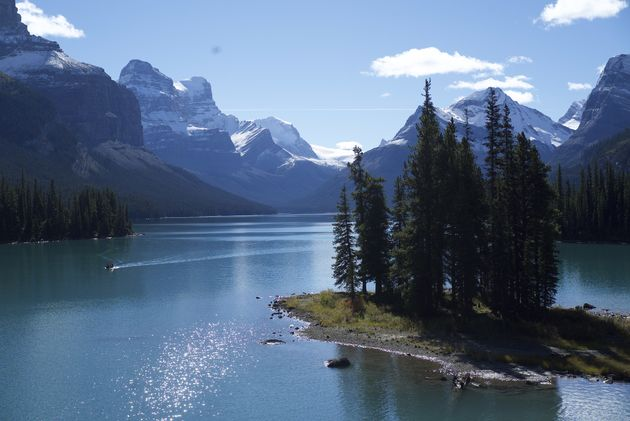 Spirit-Island-rocky-mountains