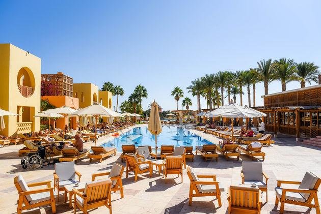 steigenberger-golf-hotel-zwembad