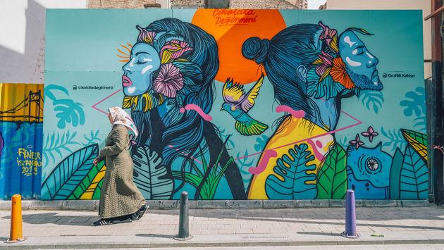 street-art-instanbul-balat-