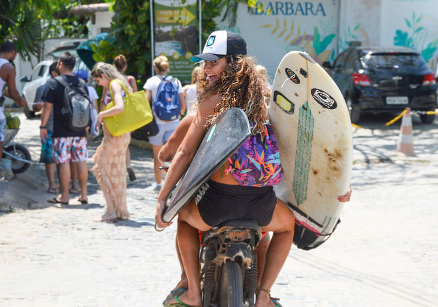 surfers-pipa