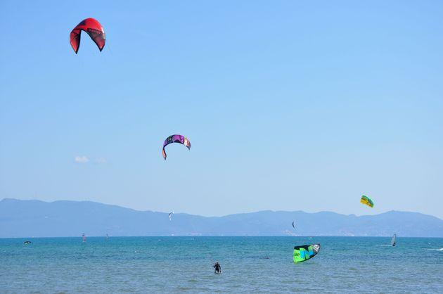 talamone-kitesurfen