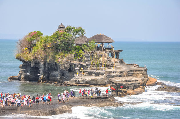 tanah-lot-tempel-water