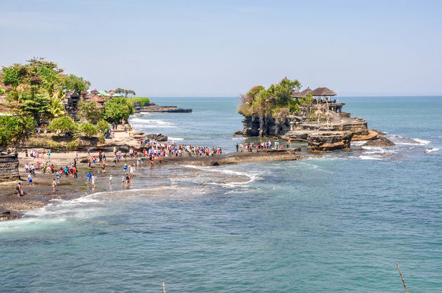 tanah-lot-watertempel