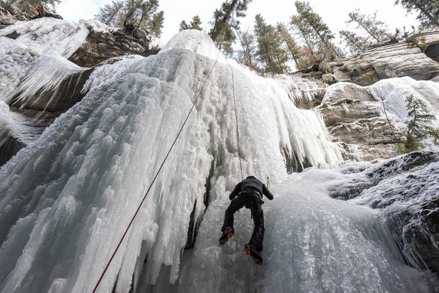 the-queen-maligne-canyon