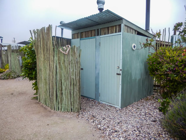 toilet-sea-shack