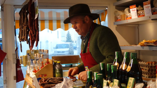 Traditionele Tiroler marktkoopman