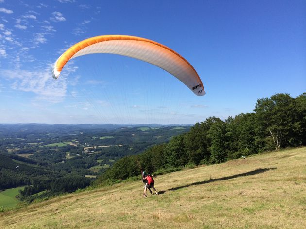 travelvalley_paragliden