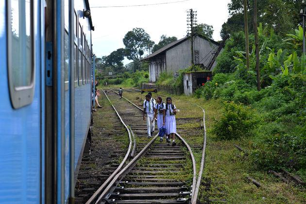 trein_sri_lanka_kinderen