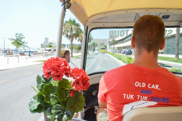 tuktuk-split