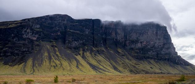 typische_groen_zwarte_bergen