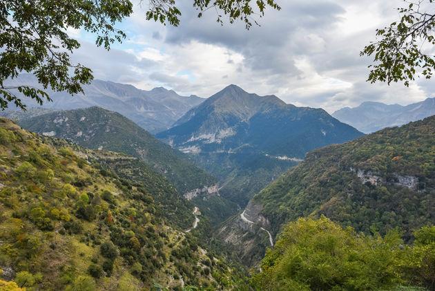 uitzicht-bergen-kalarites